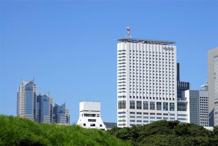 小田急ホテルセンチュリーサザンタワー  圧倒的な眺望を生かした! 写真1