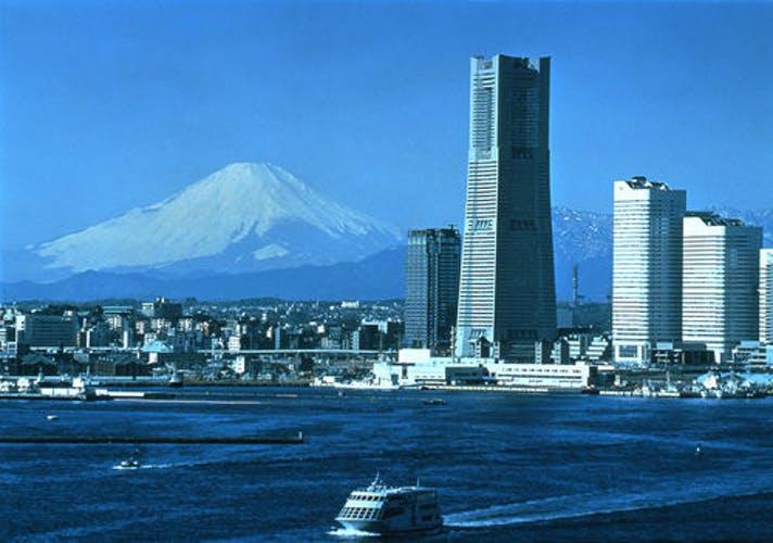 横浜ロイヤルパークホテル  夜景の中で過ごすホテル! 写真1