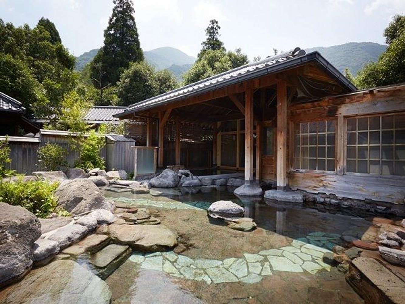 名苑と名水の宿 梅園 写真1