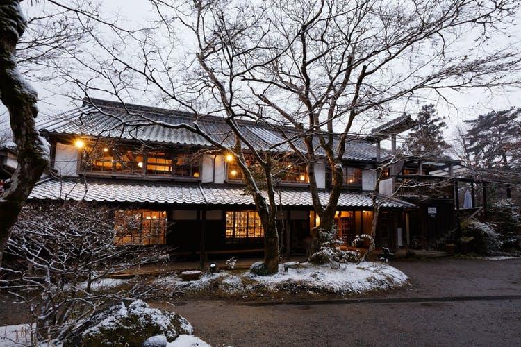 亀の井別荘 写真1