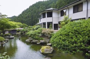 船山温泉  山の中、川のほとりの、小さな一軒宿! 写真