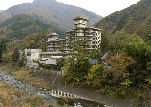 下部ホテル  2種の源泉と12の湯巡りを愉しめる! 写真1