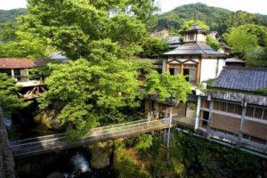修善寺温泉 湯回廊 菊屋   静寂に包まれる夜ならば月の輝き! 写真